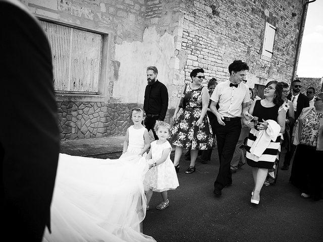 Le mariage de Benjamin et Amélie à Fontaine-Chalendray, Charente Maritime 59
