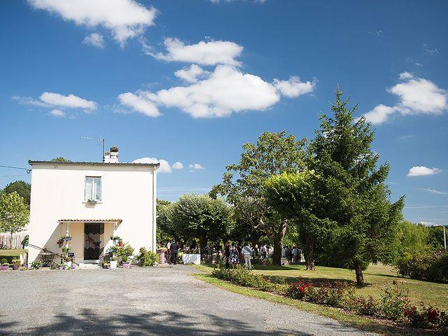 Le mariage de Benjamin et Amélie à Fontaine-Chalendray, Charente Maritime 61