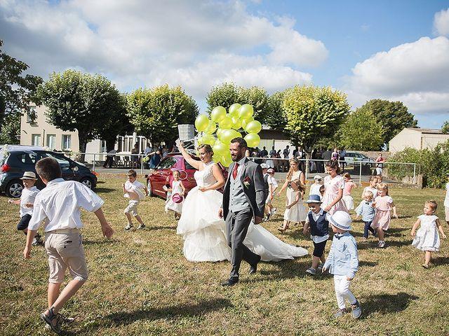 Le mariage de Benjamin et Amélie à Fontaine-Chalendray, Charente Maritime 63