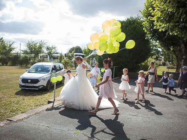 Le mariage de Benjamin et Amélie à Fontaine-Chalendray, Charente Maritime 65