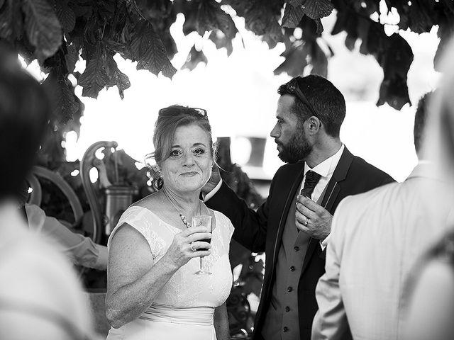 Le mariage de Benjamin et Amélie à Fontaine-Chalendray, Charente Maritime 81