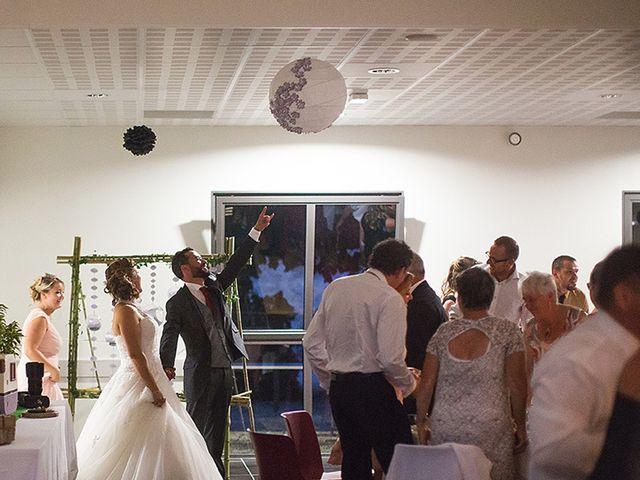 Le mariage de Benjamin et Amélie à Fontaine-Chalendray, Charente Maritime 83