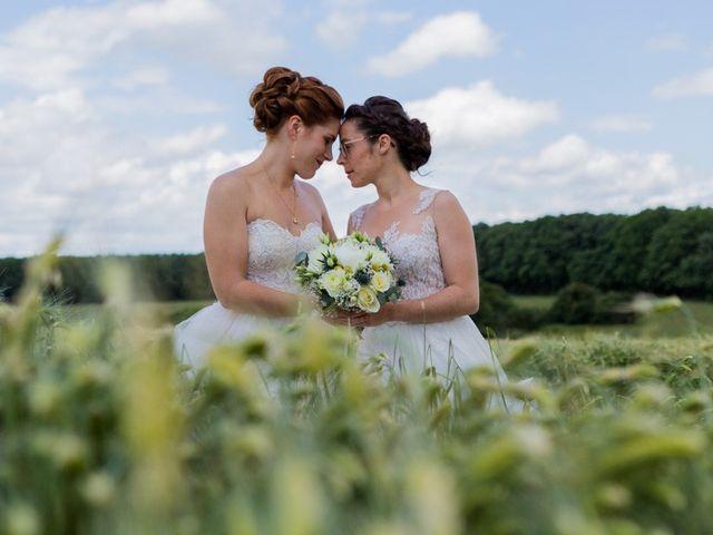 Le mariage de Marine et Audrey à Soulaires, Eure-et-Loir 10