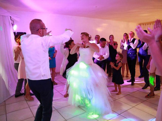 Le mariage de Julien et Pamela à Comps, Gard 40
