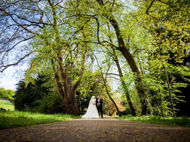 Le mariage de Morad et Sally à Ville-la-Grand, Haute-Savoie 15