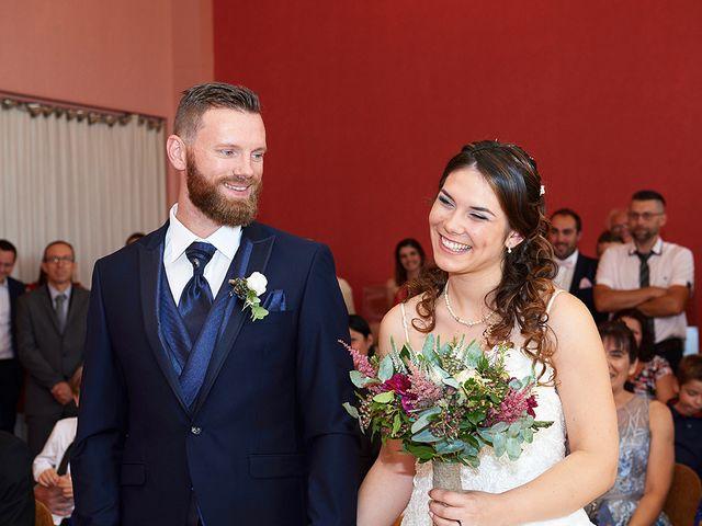 Le mariage de Rémi et Laura à Gien, Loiret 9