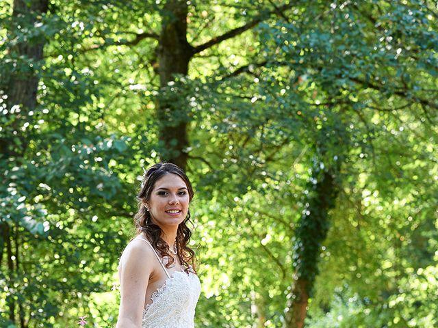 Le mariage de Rémi et Laura à Gien, Loiret 14