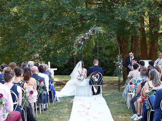 Le mariage de Rémi et Laura à Gien, Loiret 15