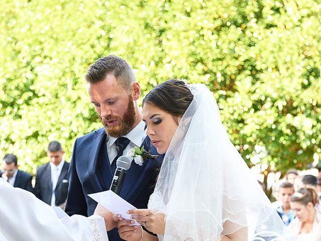 Le mariage de Rémi et Laura à Gien, Loiret 16