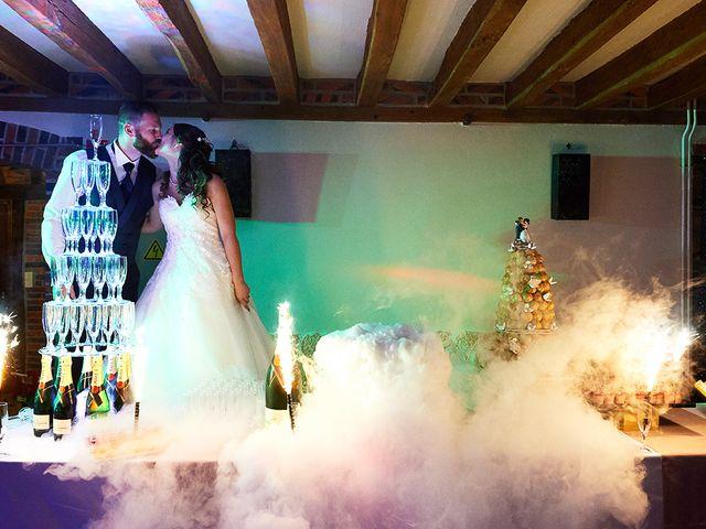 Le mariage de Rémi et Laura à Gien, Loiret 23