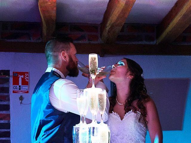 Le mariage de Rémi et Laura à Gien, Loiret 24