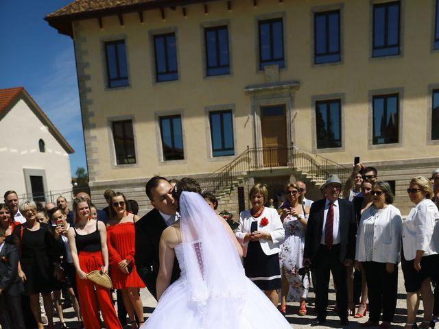 Le mariage de Romain et Coraline à Grandvillars, Territoire de Belfort 23