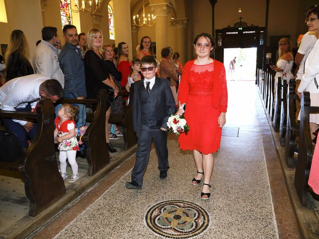 Le mariage de Romain et Coraline à Grandvillars, Territoire de Belfort 34