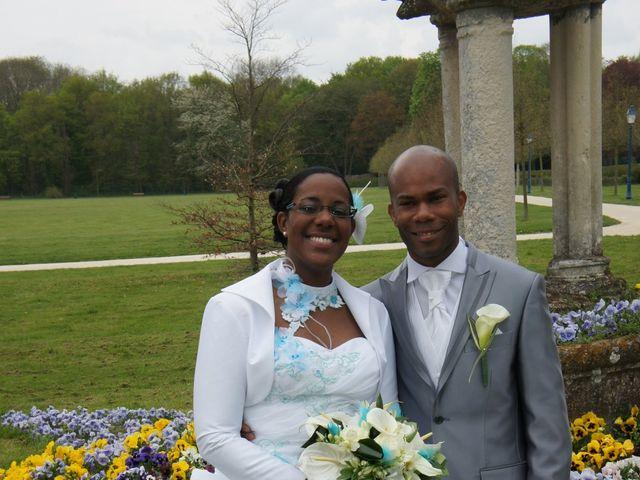 Le mariage de Missou et Charles à Savigny-le-Temple, Seine-et-Marne 3