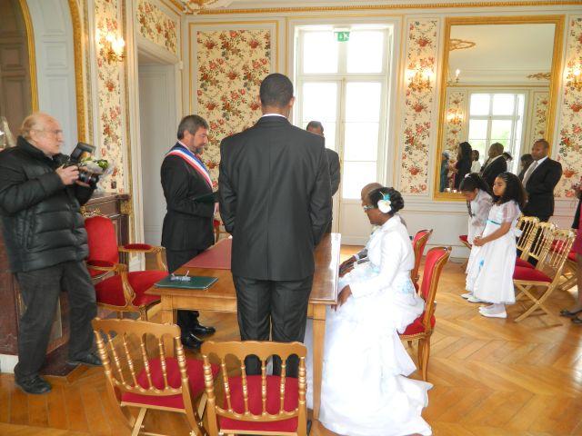 Le mariage de Missou et Charles à Savigny-le-Temple, Seine-et-Marne 5