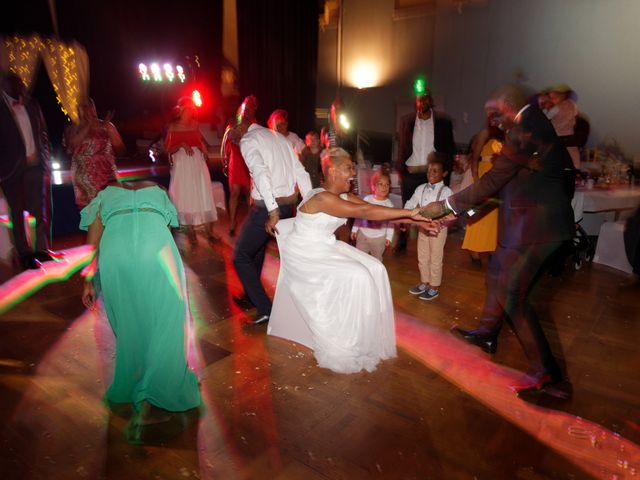 Le mariage de Marco et Myriam à Plancher-Bas, Haute-Saône 36
