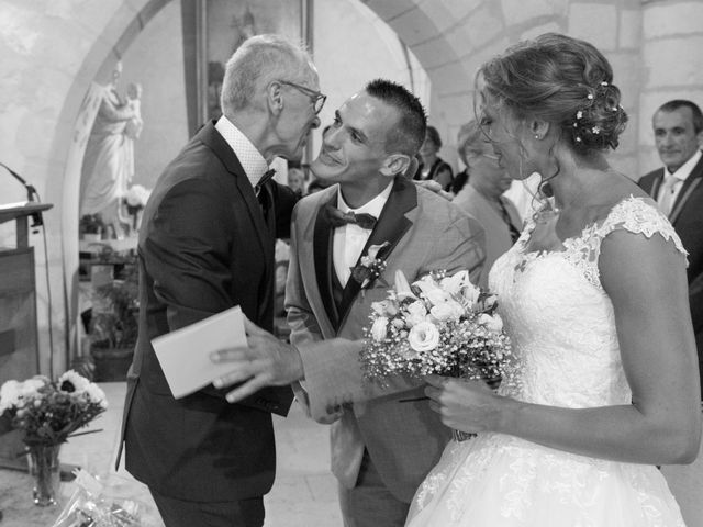 Le mariage de Damien et Marie à Chasseneuil-du-Poitou, Vienne 9