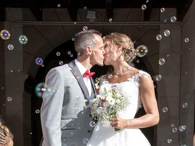 Le mariage de Damien et Marie à Chasseneuil-du-Poitou, Vienne 12