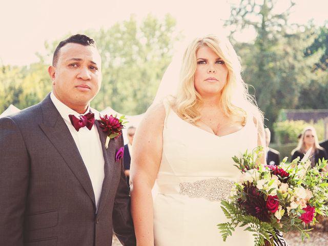 Le mariage de Mike et Emilie à Mortagne-au-Perche, Orne 18