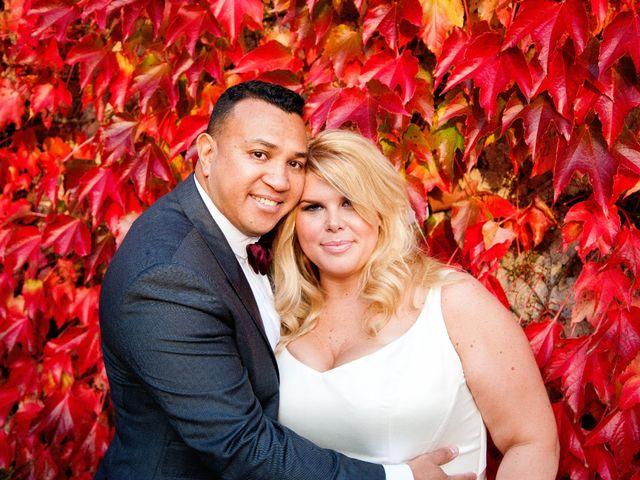 Le mariage de Mike et Emilie à Mortagne-au-Perche, Orne 24