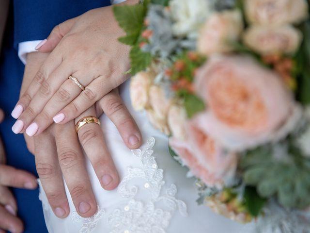 Le mariage de Camille et Marion à Saint-Médard-en-Jalles, Gironde 7