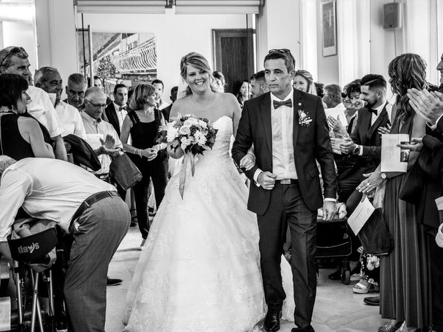 Le mariage de Camille et Marion à Saint-Médard-en-Jalles, Gironde 30