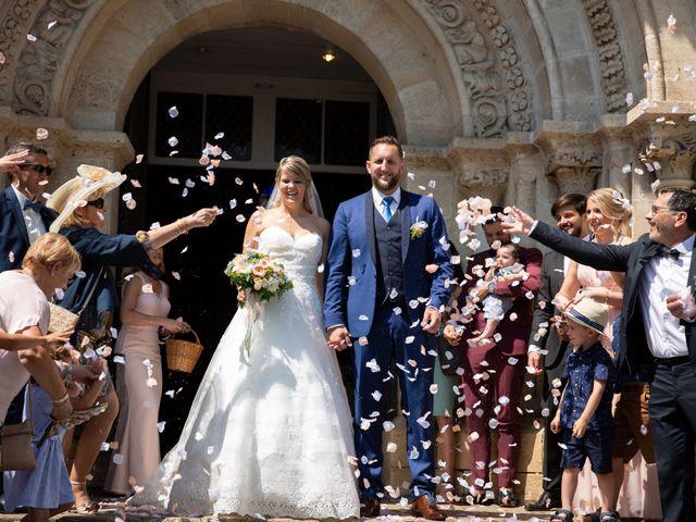 Le mariage de Camille et Marion à Saint-Médard-en-Jalles, Gironde 36