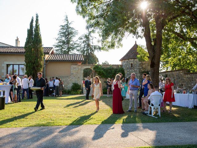 Le mariage de Camille et Marion à Saint-Médard-en-Jalles, Gironde 40