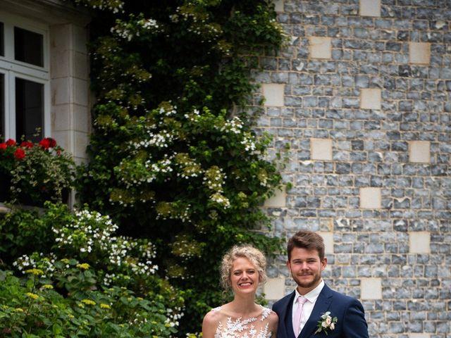 Le mariage de Thomas et Hélène à Rouxmesnil-Bouteilles, Seine-Maritime 30