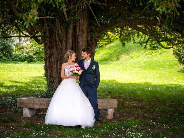 Le mariage de Thomas et Hélène à Rouxmesnil-Bouteilles, Seine-Maritime 35