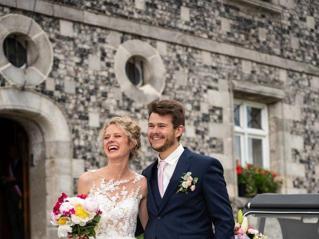 Le mariage de Thomas et Hélène à Rouxmesnil-Bouteilles, Seine-Maritime 37