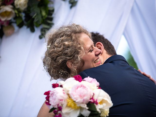 Le mariage de Thomas et Hélène à Rouxmesnil-Bouteilles, Seine-Maritime 69