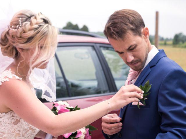 Le mariage de Julien et Mélanie à Ranchot, Jura 11