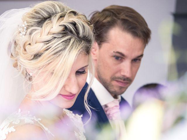 Le mariage de Julien et Mélanie à Ranchot, Jura 19