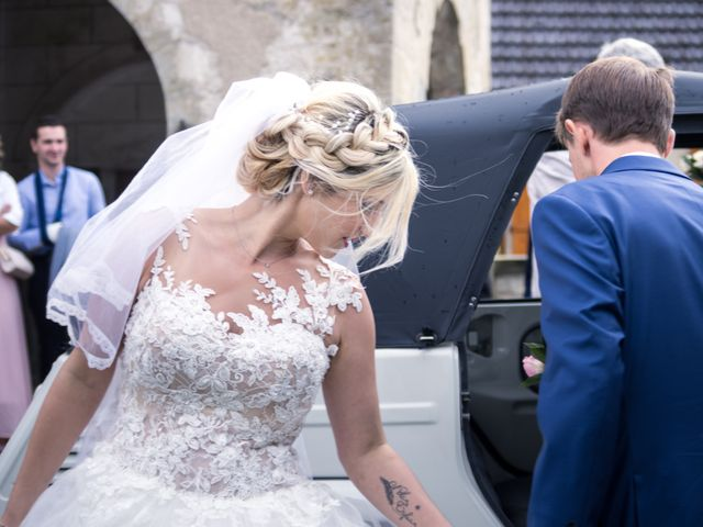 Le mariage de Julien et Mélanie à Ranchot, Jura 24