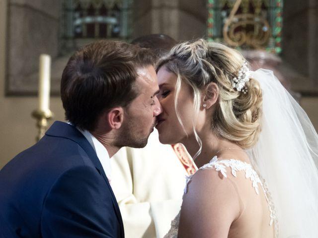 Le mariage de Julien et Mélanie à Ranchot, Jura 1