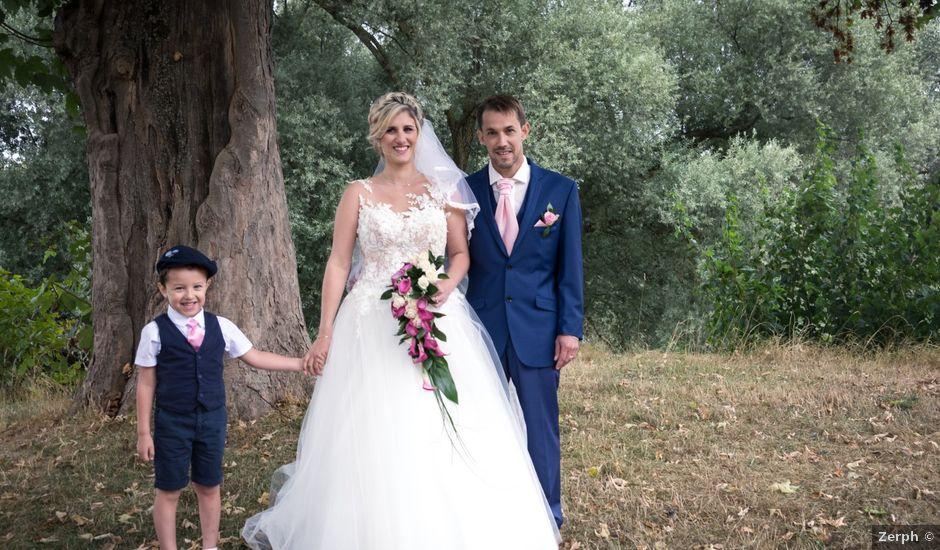 Le mariage de Julien et Mélanie à Ranchot, Jura