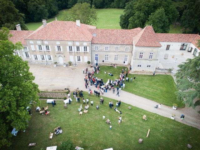 Le mariage de Aurélien et Laura à Casseneuil, Lot-et-Garonne 32