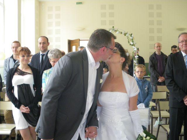 Le mariage de Isabelle et Philippe à Le Cheylard, Ardèche 2