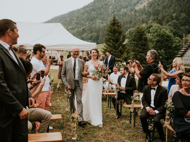 Le mariage de Antoine et Carine à Autrans, Isère 51