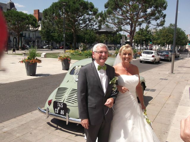 Le mariage de Julien et Johanna à Châtellerault, Vienne 3