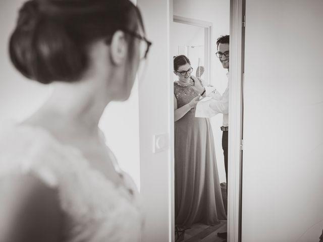 Le mariage de Romain et Amandine à Bailleul, Nord 7