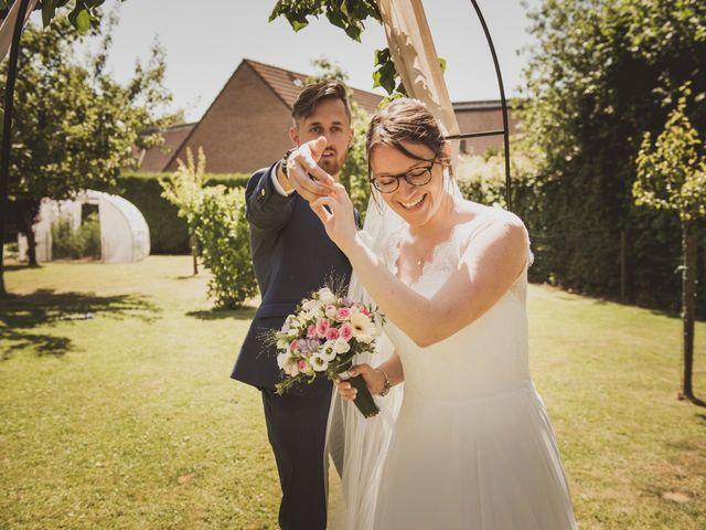 Le mariage de Romain et Amandine à Bailleul, Nord 16