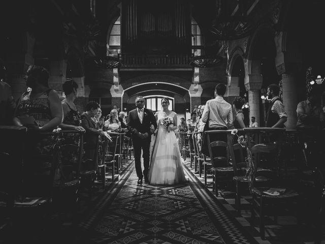 Le mariage de Romain et Amandine à Bailleul, Nord 24