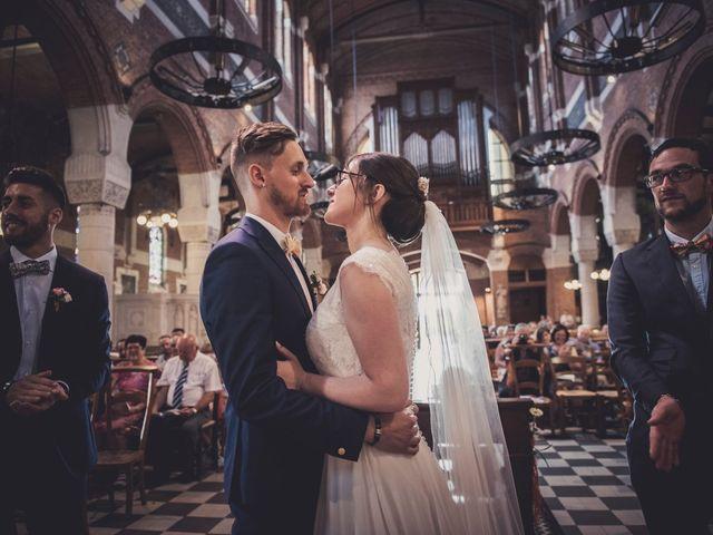 Le mariage de Romain et Amandine à Bailleul, Nord 27