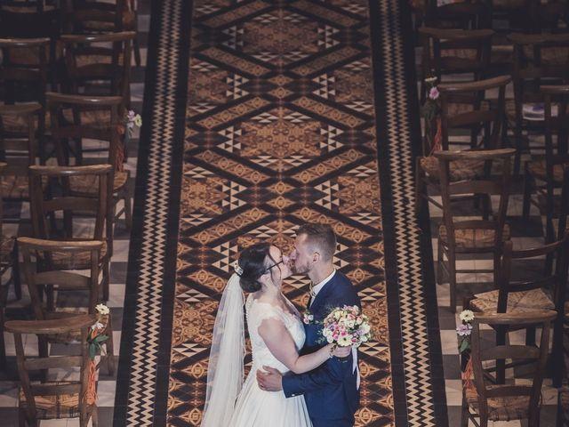 Le mariage de Romain et Amandine à Bailleul, Nord 57