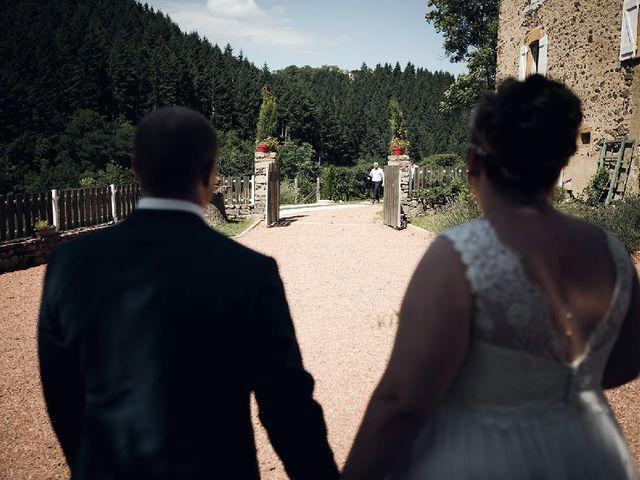 Le mariage de Bastien  et Othilie à Chambost-Allières, Rhône 11