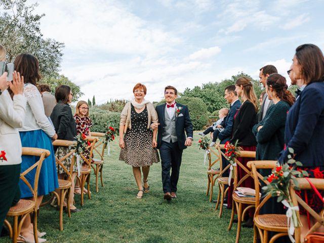 Le mariage de Julian et Sophie à Orgon, Bouches-du-Rhône 38