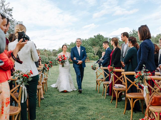 Le mariage de Julian et Sophie à Orgon, Bouches-du-Rhône 41