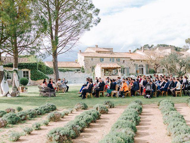 Le mariage de Julian et Sophie à Orgon, Bouches-du-Rhône 45